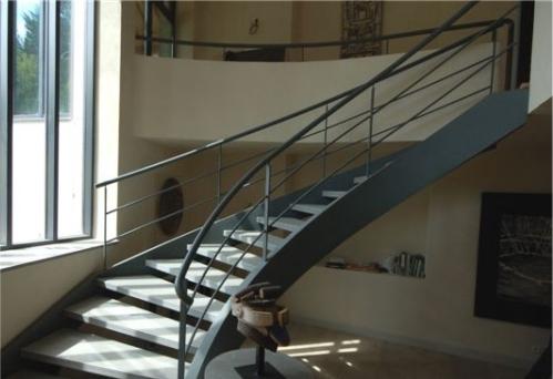 1-escadaria-metalisca-durand