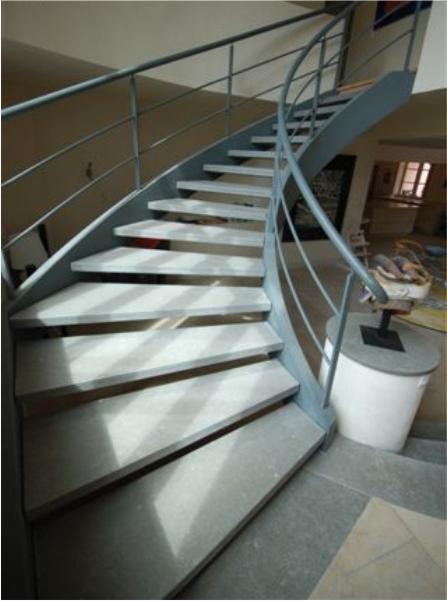 2-escadaria-metalisca-durand