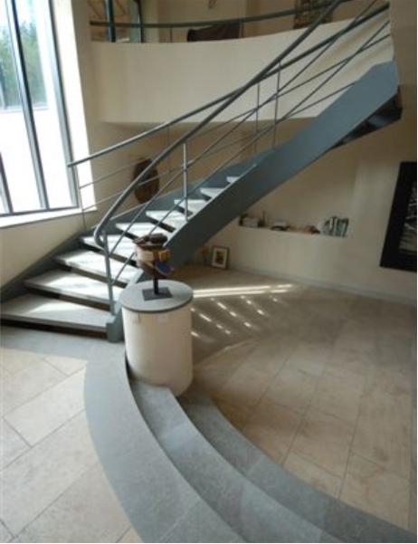 4-escadaria-metalisca-durand-capa