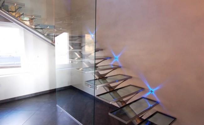 escada-com-tudo-central-ferro-e-vidro1