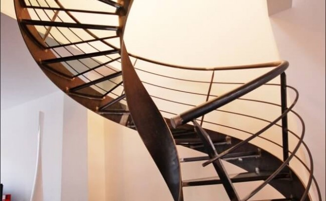 escalier-helicoidal-en-colimacon-elikoflam-marches-verre-garde1